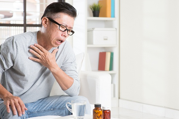 signs and symptoms lung cancer pain