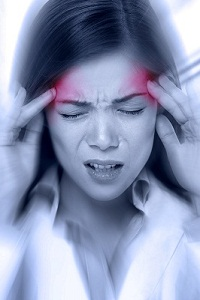 Migraine: Symptoms, Causes, Diagnosis, Prevention, Treatment