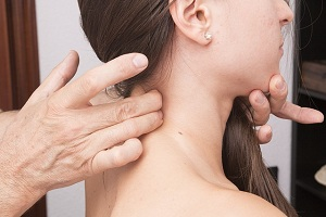 Pinched Nerve in Neck: Causes, Symptoms, Treatment