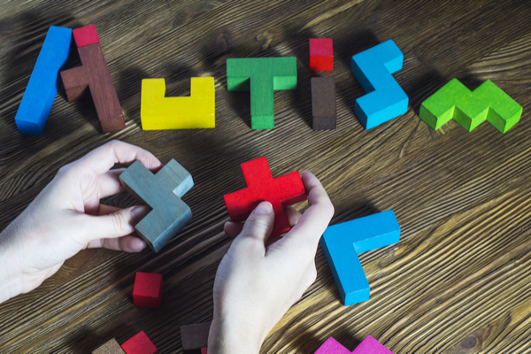 signs and symptoms of autism in different age groups